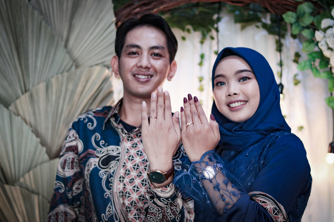 The Engagement of Hendy & Tya by Inikreasiku - 009