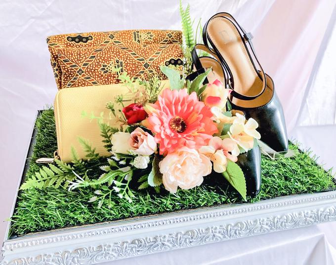 White silver tray for wedding IIn by Inikreasiku - 006