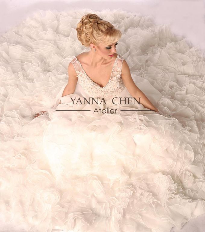 Gown Collection by YANNA CHEN ATELIER - 002