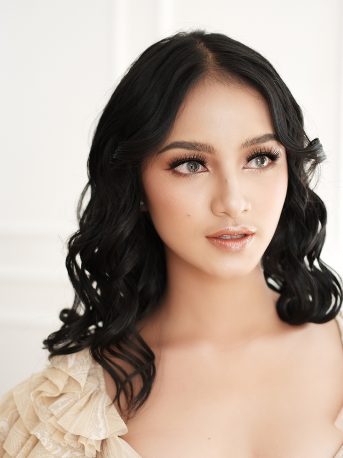 DEWY by Intana Makeup - 001