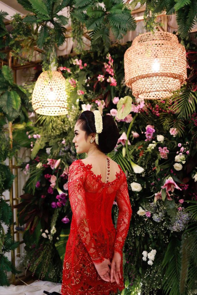 Midodareni attire by Ambar Paes Traditional Wedding Make Up - 002