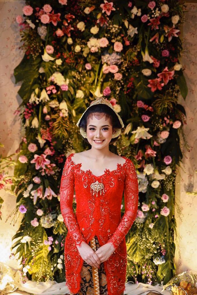 Midodareni attire by Ambar Paes Traditional Wedding Make Up - 001