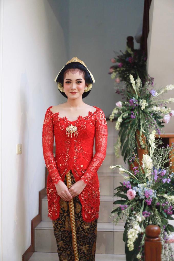Midodareni attire by Ambar Paes Traditional Wedding Make Up - 003