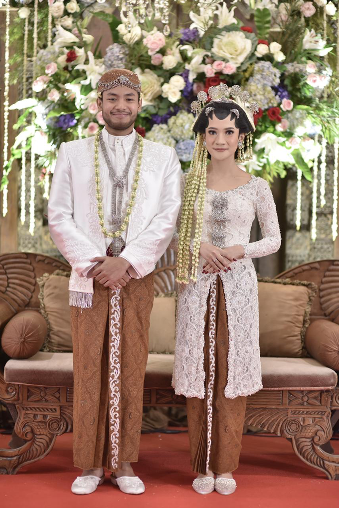 The wedding of Devina & Akbar by Ambar Paes Traditional Wedding Make Up - 005