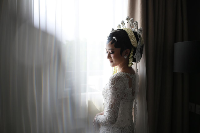 The wedding of Devina & Akbar by Ambar Paes Traditional Wedding Make Up - 003