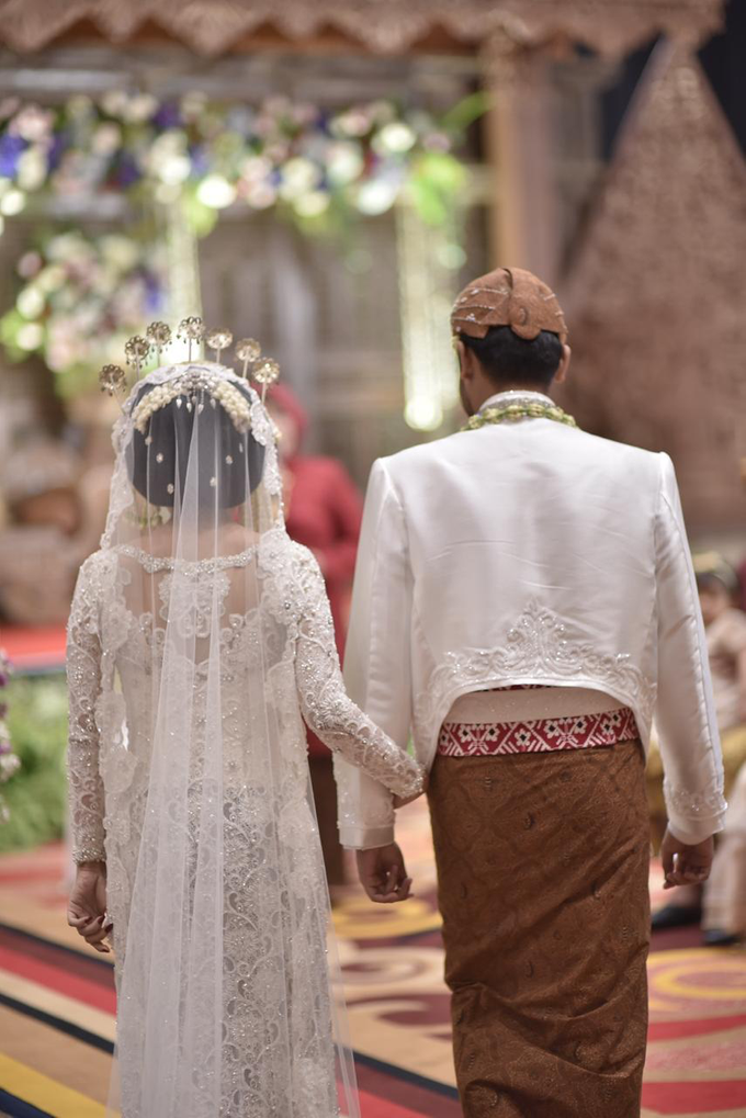 The wedding of Devina & Akbar by Ambar Paes Traditional Wedding Make Up - 007