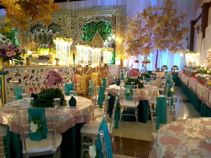 Modern Wedding Decoration by BRAJA MUSTIKA Hotel & Convention Centre - 009