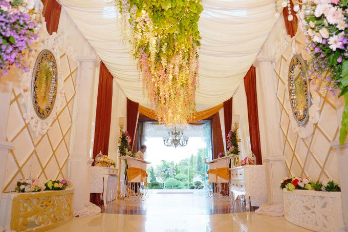 Modern Wedding Decoration by BRAJA MUSTIKA Hotel & Convention Centre - 004