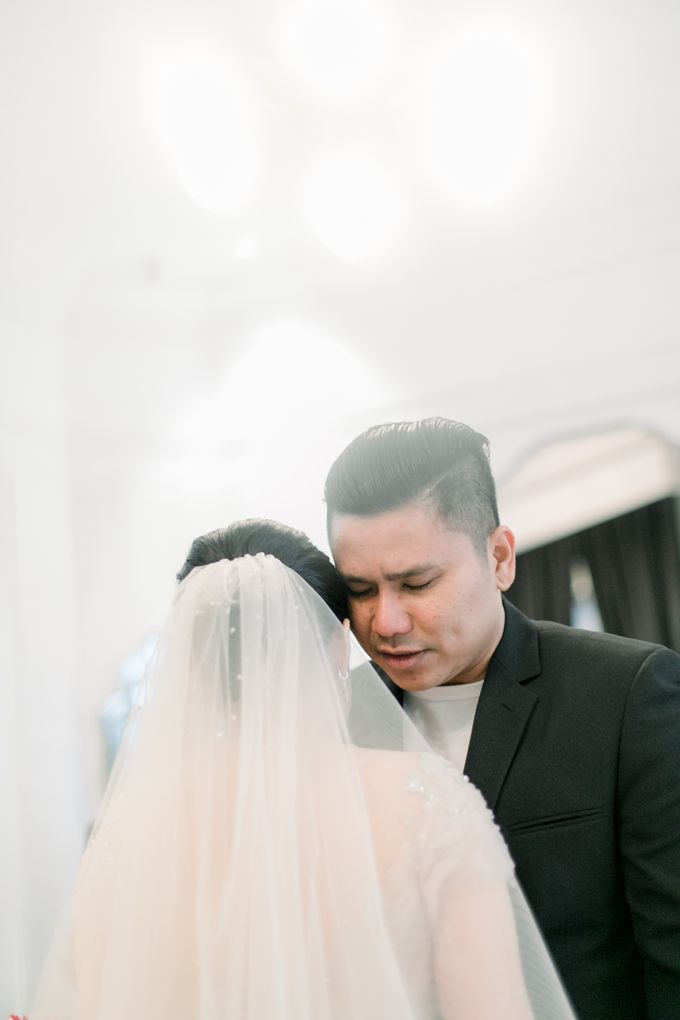 John & Merry Intimate Wedding Celebration by Iris Photography - 040