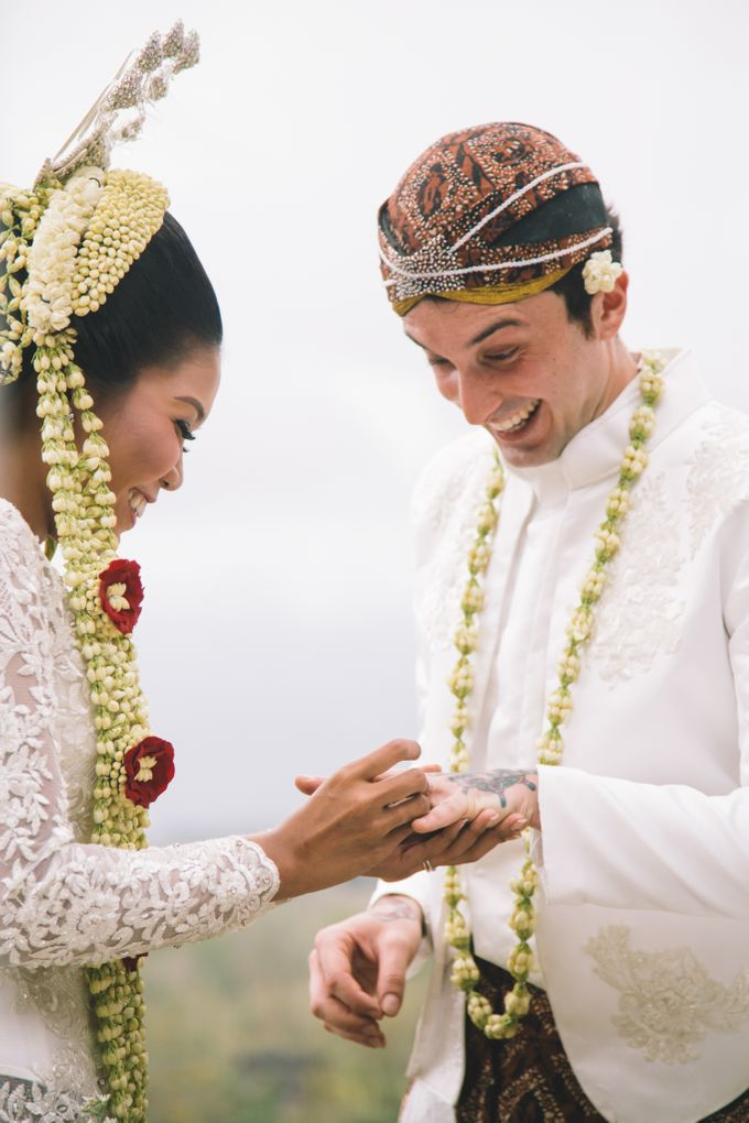Javanese Traditional Wedding of Indonesian & Italian Nationalities in Bali by fire, wood & earth - 024