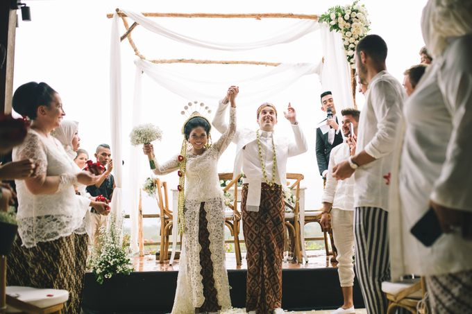 Javanese Traditional Wedding of Indonesian & Italian Nationalities in Bali by fire, wood & earth - 027