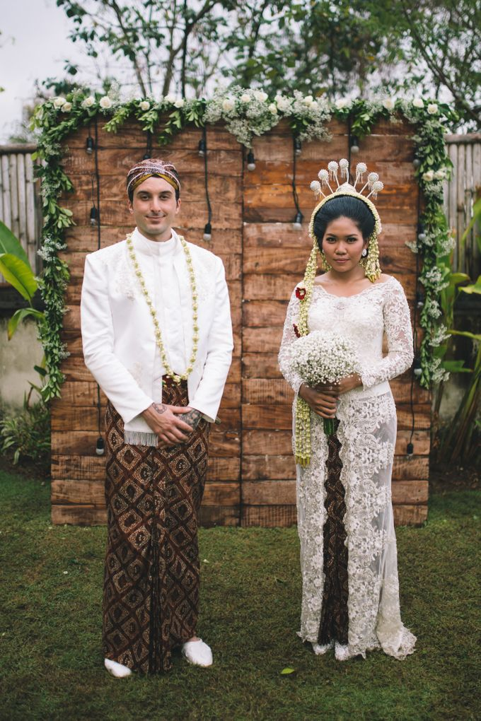 Javanese Traditional Wedding of Indonesian & Italian Nationalities in Bali by fire, wood & earth - 035