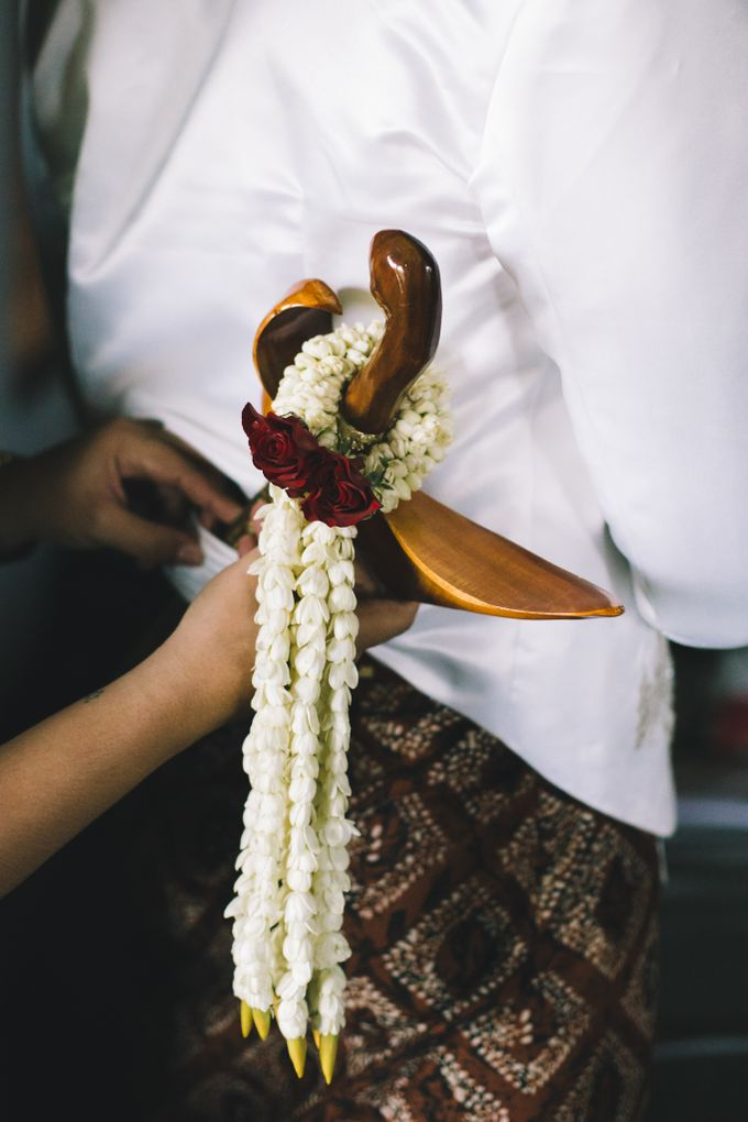 Javanese Traditional Wedding of Indonesian & Italian Nationalities in Bali by fire, wood & earth - 007