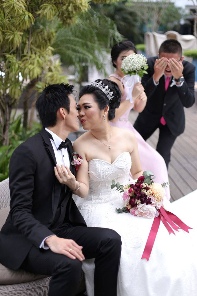 Iswandi &  Liena Wedding by MariMoto Productions - 027