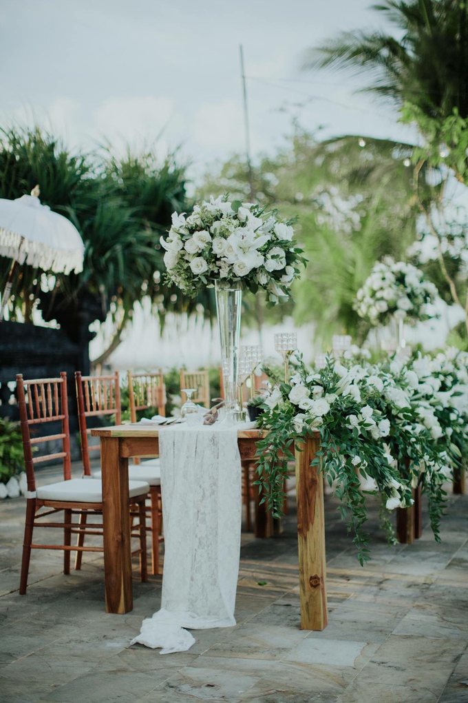 Kris and Bunga Wedding by It's True Wedding Planner and Decoration - 010