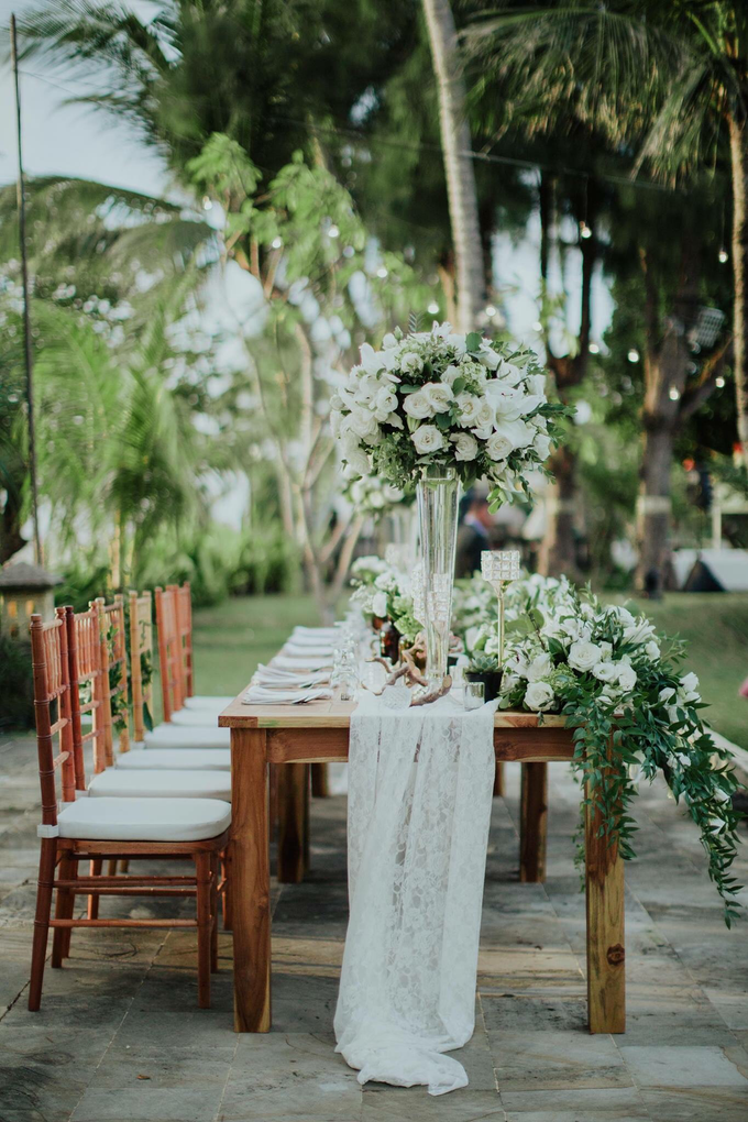 Kris and Bunga Wedding by It's True Wedding Planner and Decoration - 011