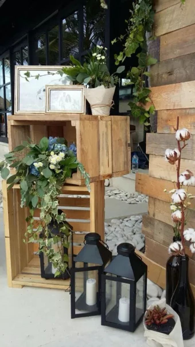 RUSTIC BACKDROP PHOTOBOOTH by It's True Wedding Planner and Decoration - 002