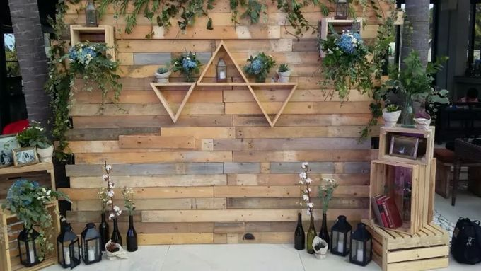 RUSTIC BACKDROP PHOTOBOOTH by It's True Wedding Planner and Decoration - 007