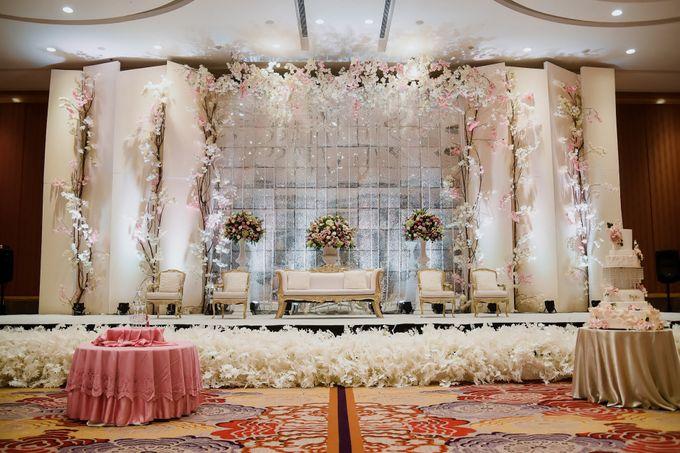 Skenoo Hall - Various Wedding Stage Decoration at Skenoo Hall Emporium Pluit by IKK Wedding Venue - 002