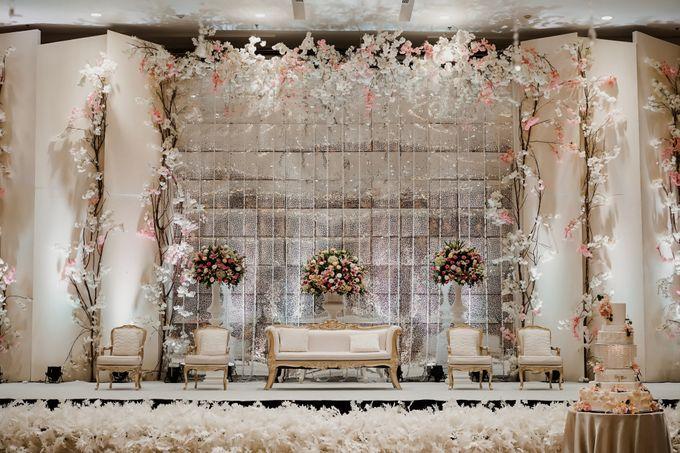 Skenoo Hall - Various Wedding Stage Decoration at Skenoo Hall Emporium Pluit by IKK Wedding Venue - 003
