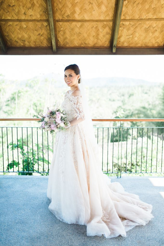 Geometric and Marble inspired wedding in Pinks, Purples and Blues by Ivy Tuason Photography - 017