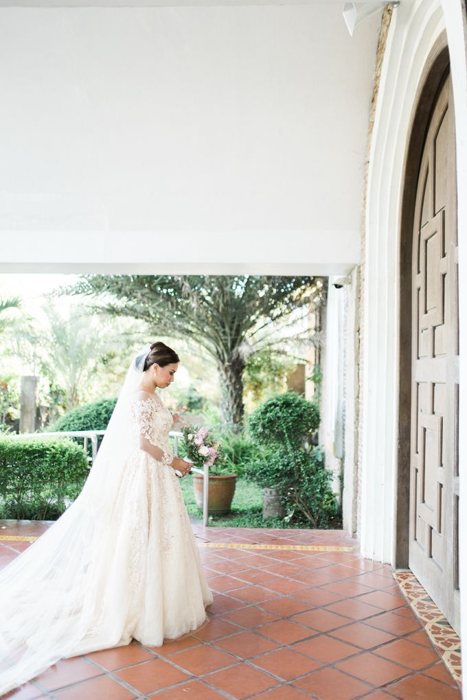 Geometric and Marble inspired wedding in Pinks, Purples and Blues by Ivy Tuason Photography - 028