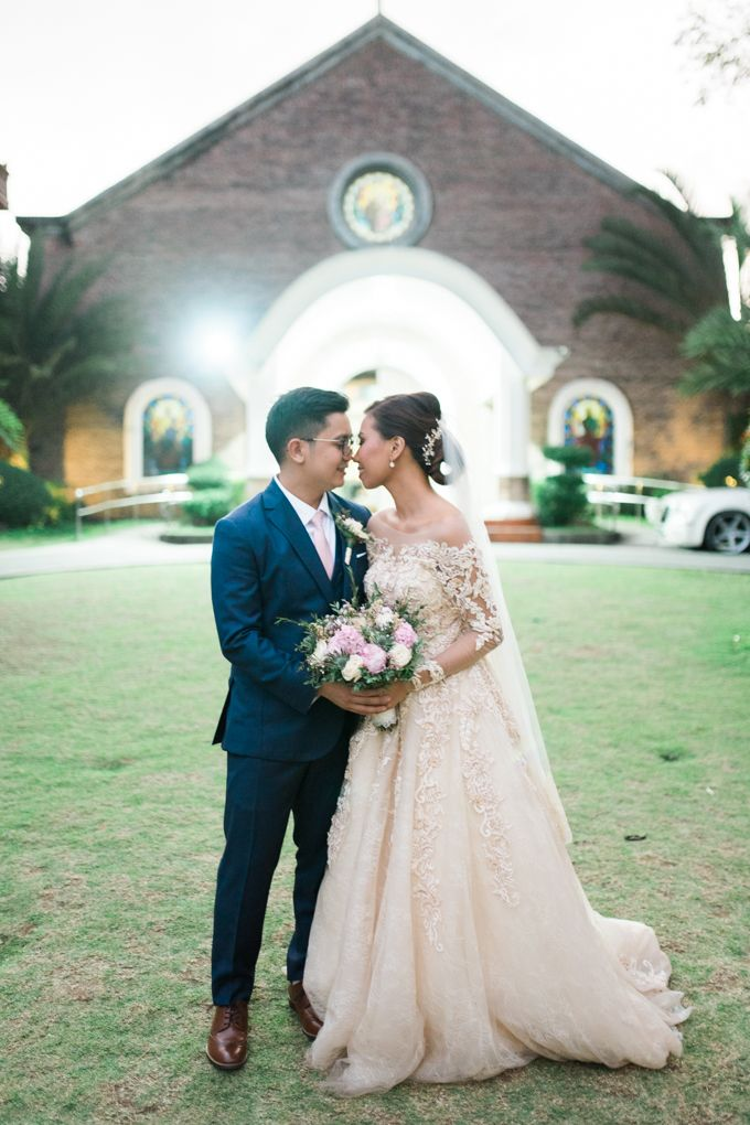 Geometric and Marble inspired wedding in Pinks, Purples and Blues by Ivy Tuason Photography - 047