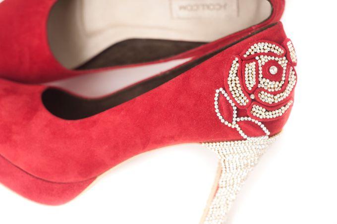 'I DO'  wedding shoes by crowdphotographer.com - 008