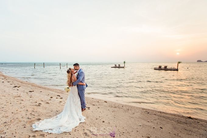 Jessica and Daniel wedding at Conrad Koh Samui by BLISS Events & Weddings Thailand - 010
