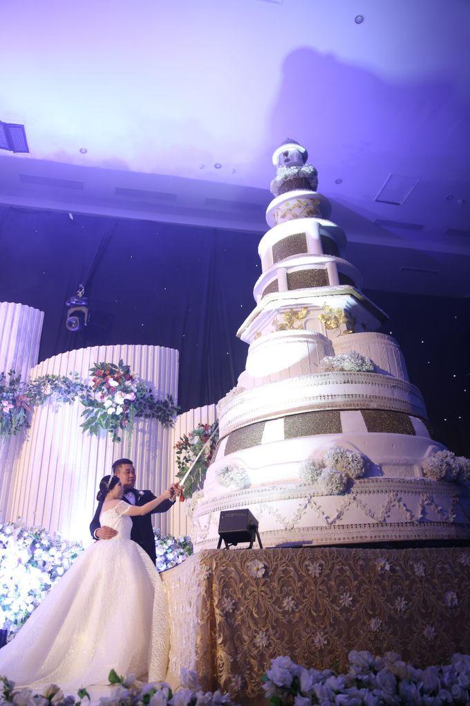 THE WEDDING OF ALONG AND JASSLYN by ODDY PRANATHA - 010
