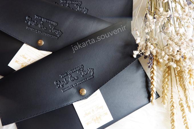 Pouch SV3 leather by Jakarta Souvenir - 002