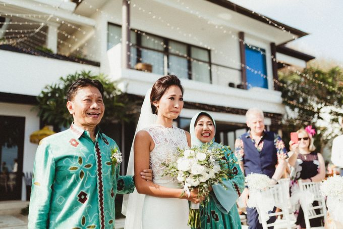 Modern Botanical Wedding of James & Dyah at Villa OMG Bali by PYARA - 011