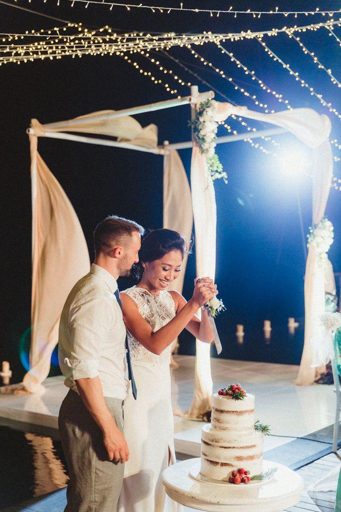 Modern Botanical Wedding of James & Dyah at Villa OMG Bali by Ixora Cakes - 002