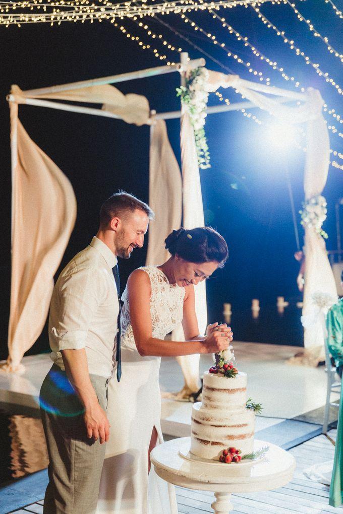 Modern Botanical Wedding of James & Dyah at Villa OMG Bali by Ixora Cakes - 003