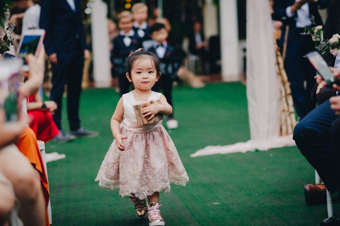 Outdoor Weddings are the Way to Go! by Yipmage Moments - 011