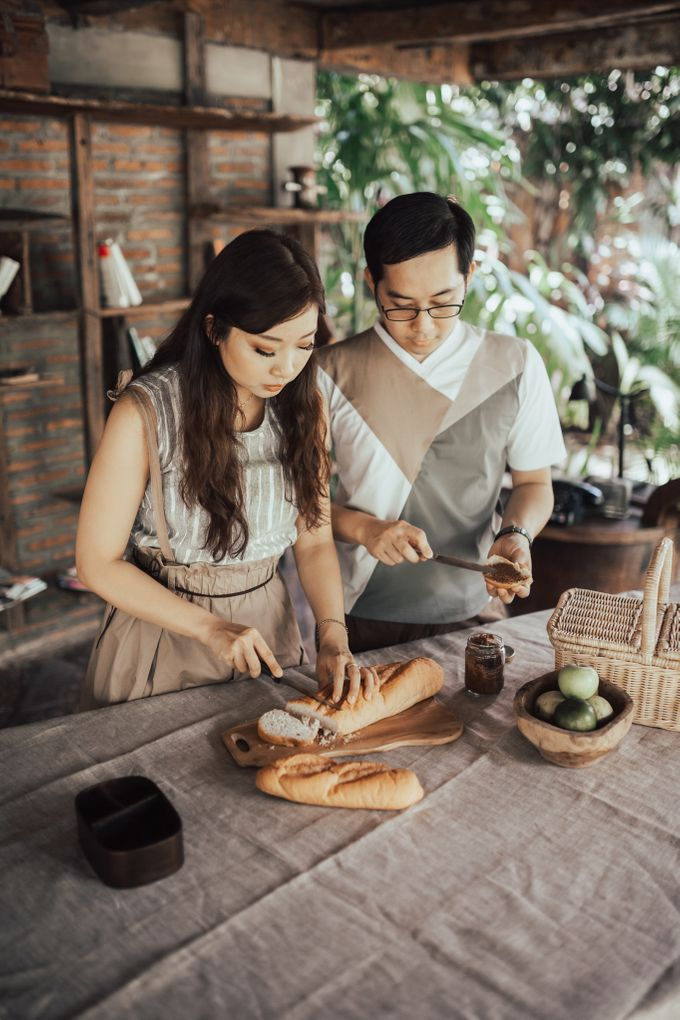 Forest Picnic Prewedding of Janissa & Kresna by fire, wood & earth - 018