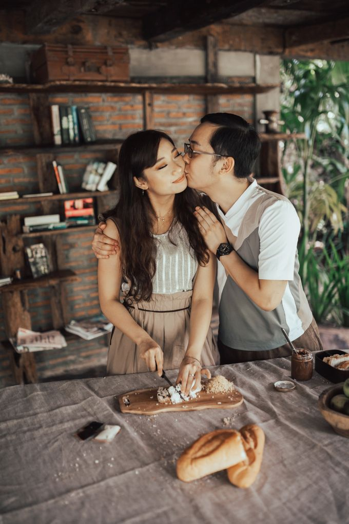 Forest Picnic Prewedding of Janissa & Kresna by fire, wood & earth - 020
