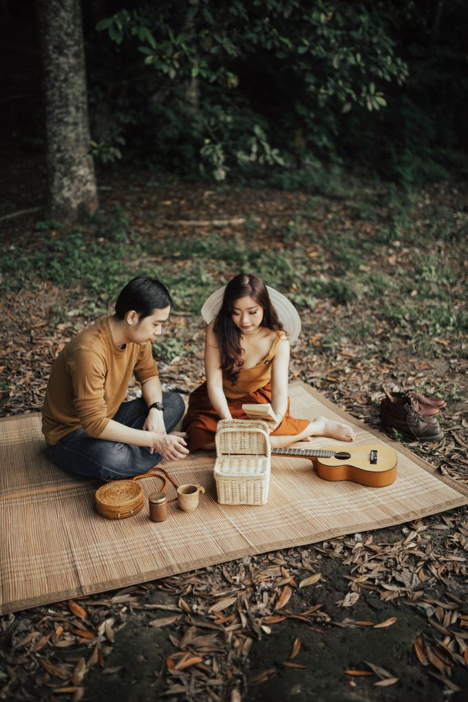 Forest Picnic Prewedding of Janissa & Kresna by fire, wood & earth - 024