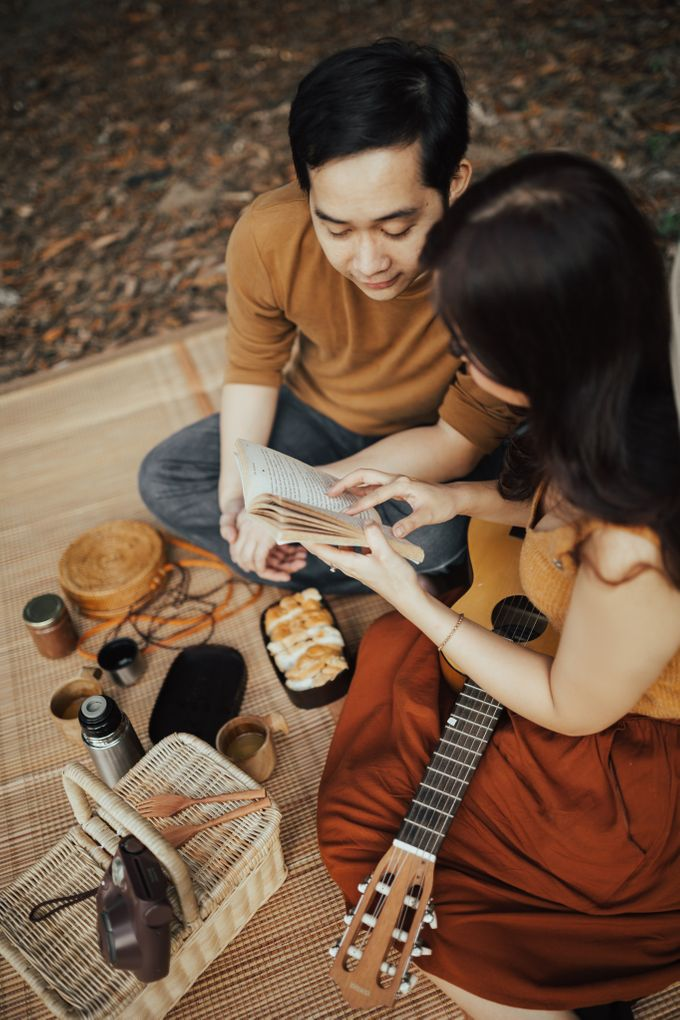 Forest Picnic Prewedding of Janissa & Kresna by fire, wood & earth - 026