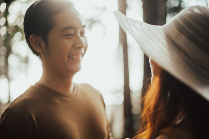 Forest Picnic Prewedding of Janissa & Kresna by fire, wood & earth - 036