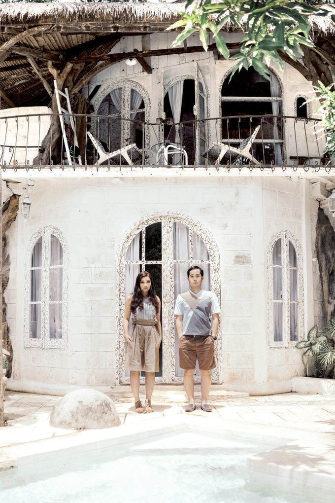 Forest Picnic Prewedding of Janissa & Kresna by fire, wood & earth - 004