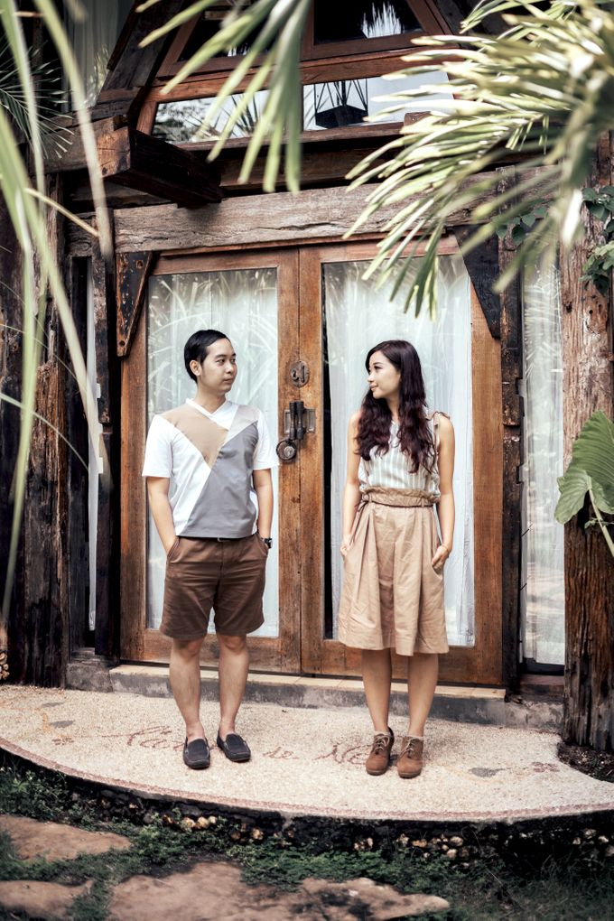 Forest Picnic Prewedding of Janissa & Kresna by fire, wood & earth - 005