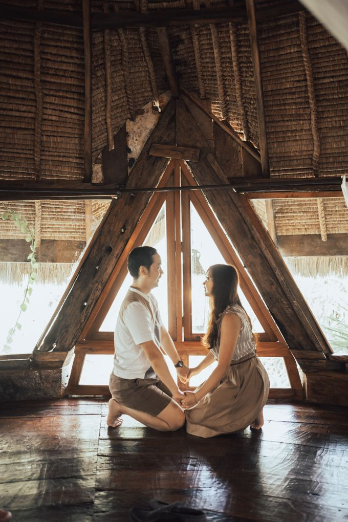 Forest Picnic Prewedding of Janissa & Kresna by fire, wood & earth - 006
