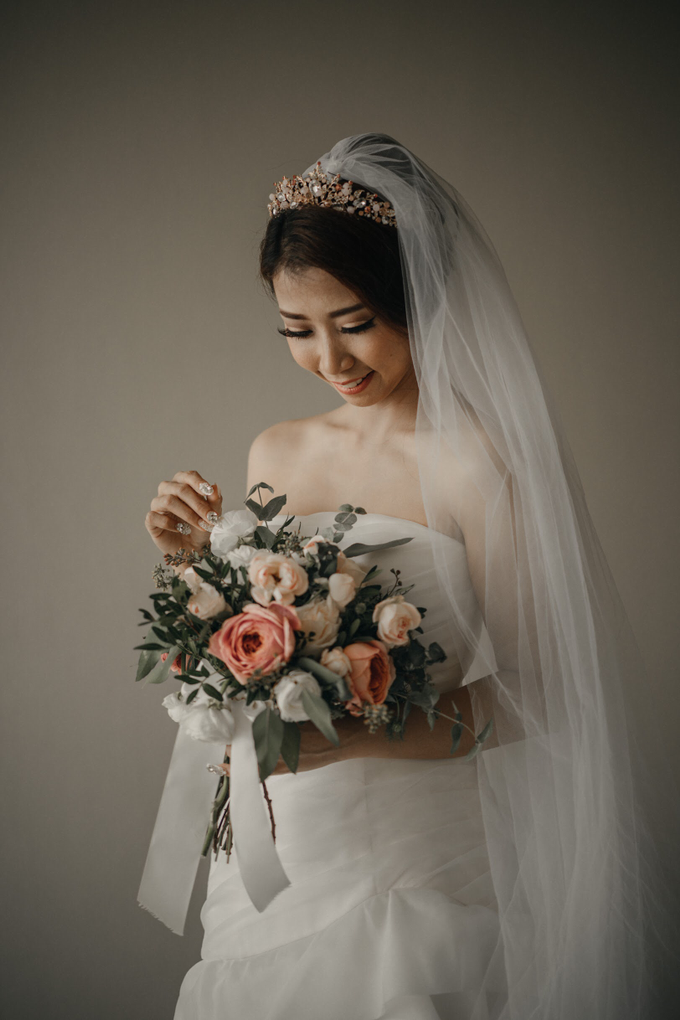 Holy Matrimony • Arnold & Vina by Vera Wang Singapore - 011