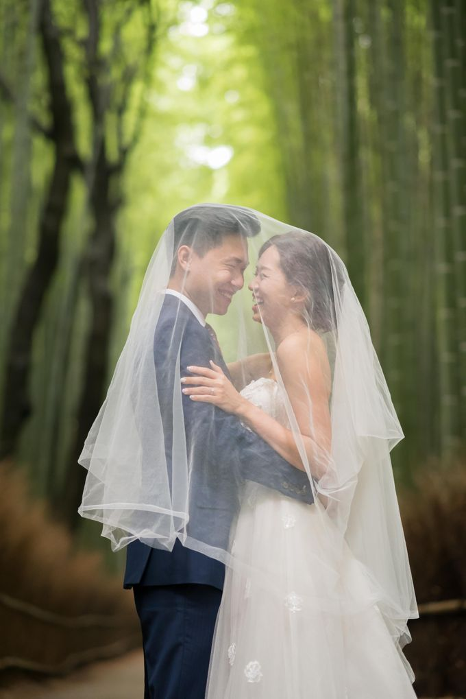 Bespoke wedding dress by Kelly's Bridals - 004