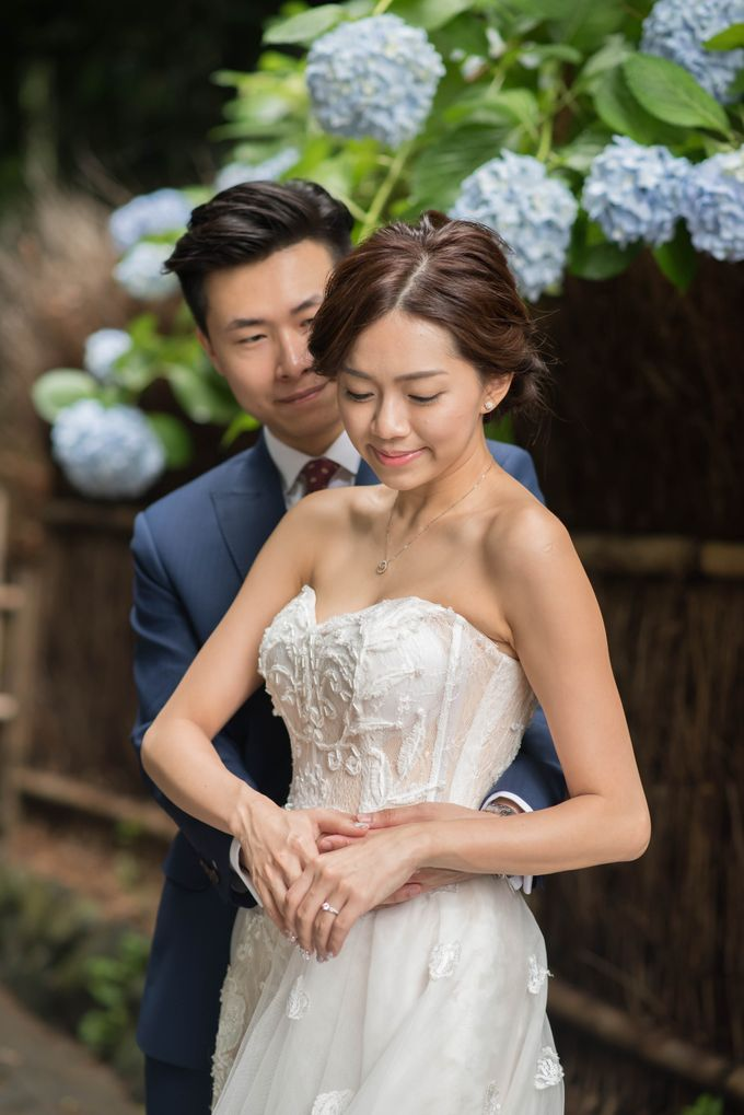 Bespoke wedding dress by Kelly's Bridals - 005