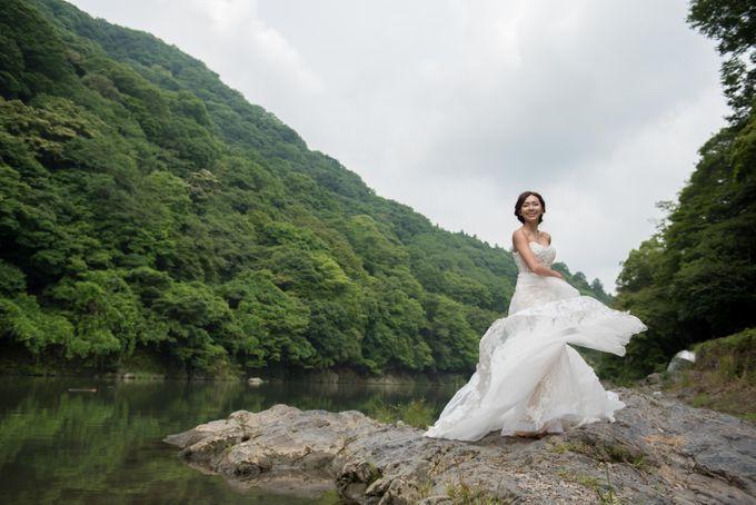 Bespoke wedding dress by Kelly's Bridals - 003
