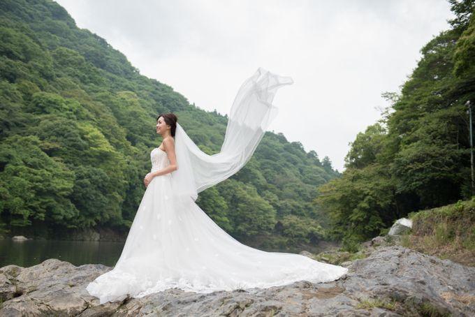 Bespoke wedding dress by Kelly's Bridals - 012