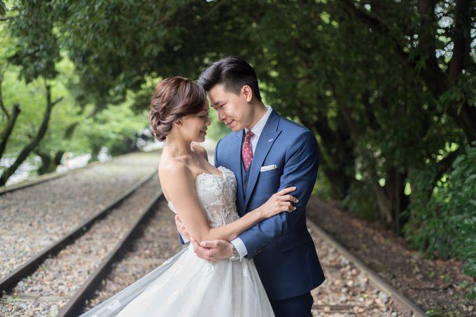 Bespoke wedding dress by Kelly's Bridals - 013