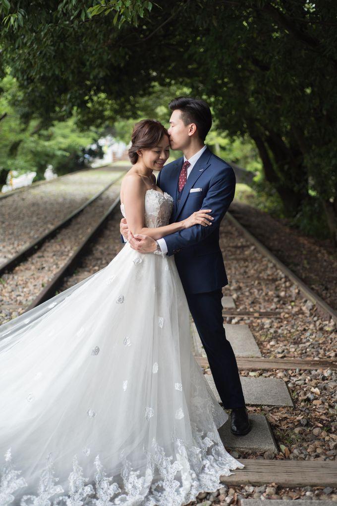 Bespoke wedding dress by Kelly's Bridals - 014